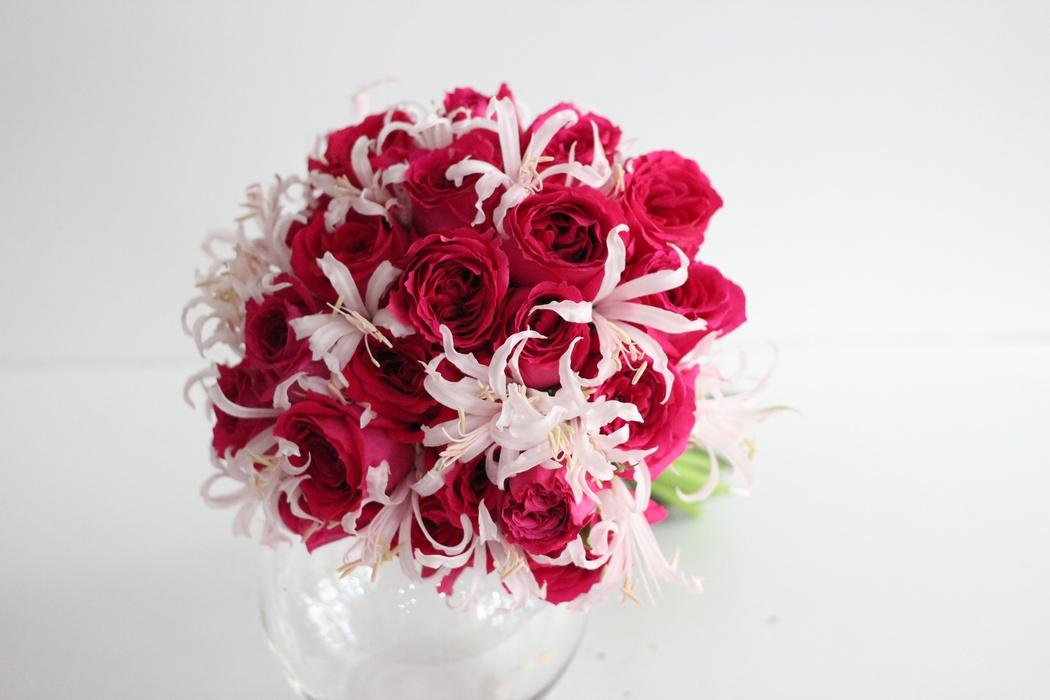 rose wedding bouquet. Black Bedroom Furniture Sets. Home Design Ideas